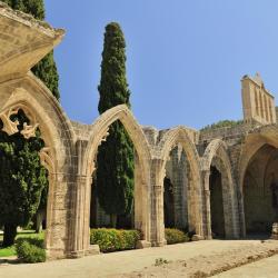 Bellapais kloster, Kerýnia