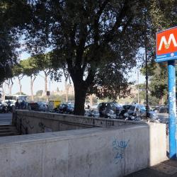 Estación de metro Circo Massimo