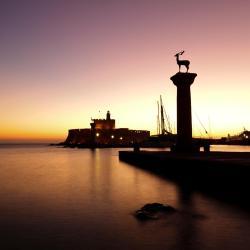 נמל מנדראקי