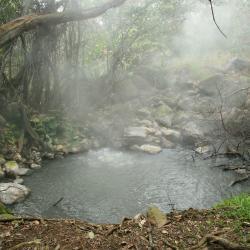 Gunung Volcán Rincón de la Vieja, Colonia Dos Ríos