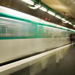 Chemin Vert Metro Station