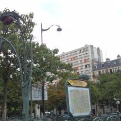 Place d'Italie Metro İstasyonu