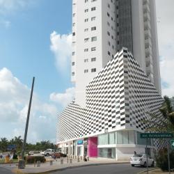 Centrum handlowe Plaza Las Americas, Cancún