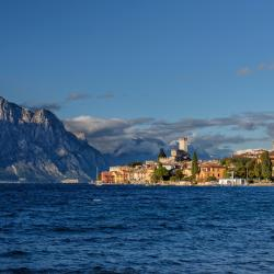 Lake Garda 275 serviced apartments
