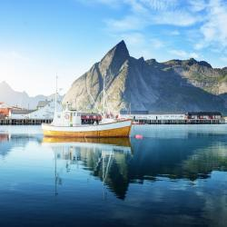 Lofoten 84 beach hotels