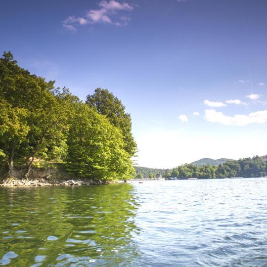 Water sports and hiking at Lake Edersee