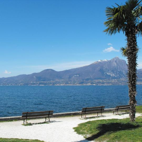 Promenade walks in Desenzano del Garda