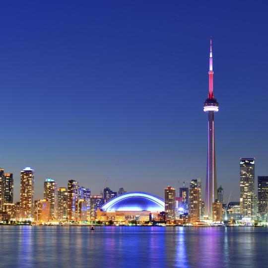 Головокружительный вид с телебашни CN Tower