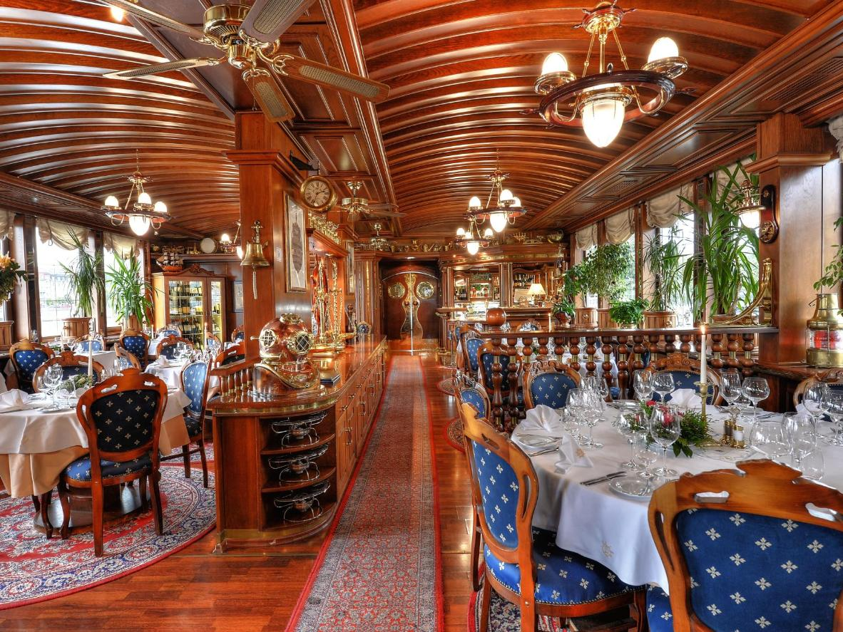 Eating in the Admiral's dining rooms is a feast for all the senses