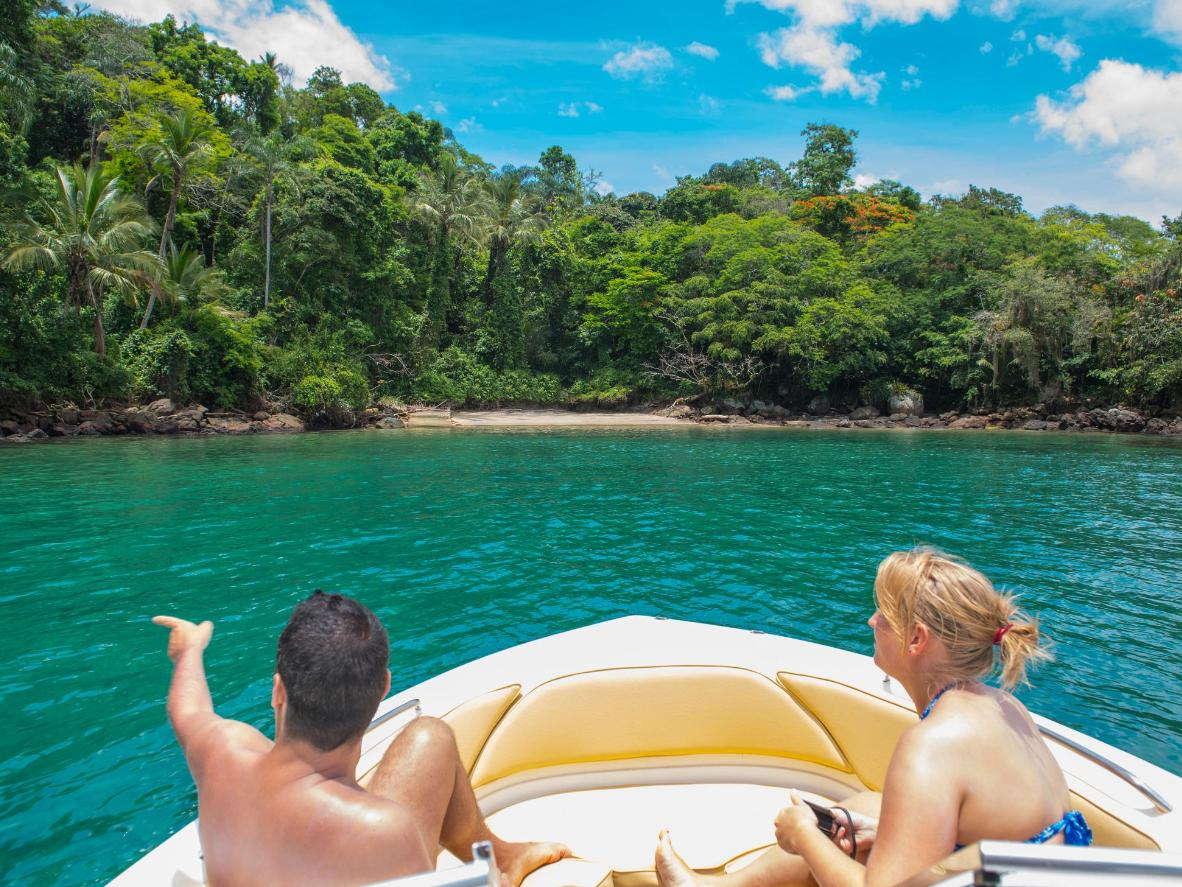Unwind at Saco de Céu, the island's paradisiacal lagoon