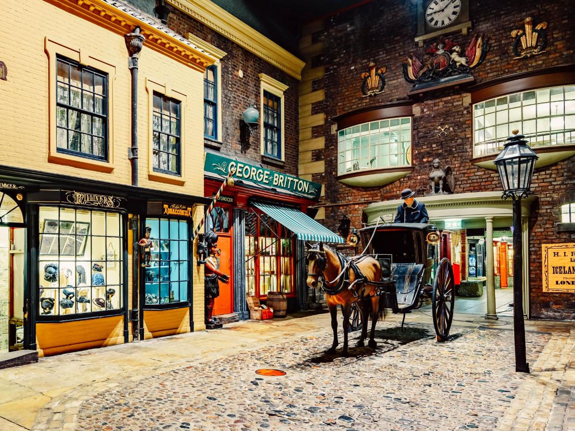Historic cobbled streets, tea rooms, and pubs in York