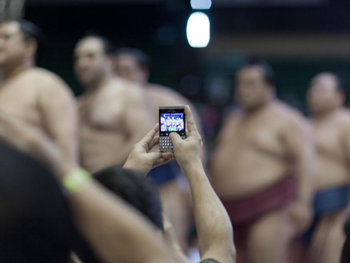 Observe sumo stable etiquette and be sure to ask before taking photos