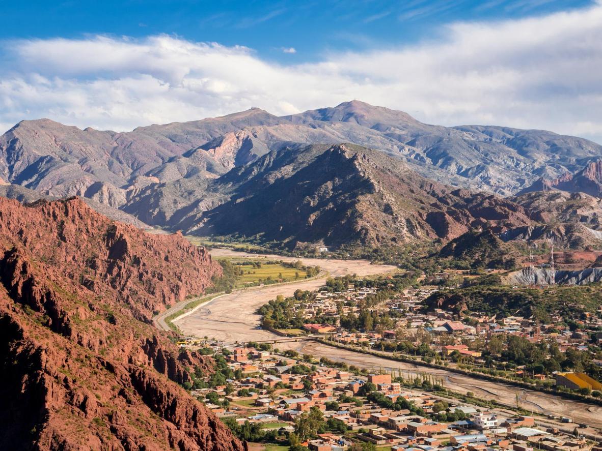 乗馬で胸が高鳴るハネムーンを楽しめる、ボリビアの砂漠地帯
