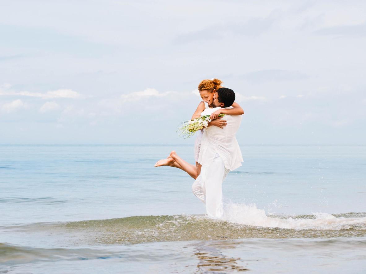 Ako vas zanima tajno vjenčanje tijekom zime u Europi, plaže s bijelim pijeskom uvijek su dobra opcija