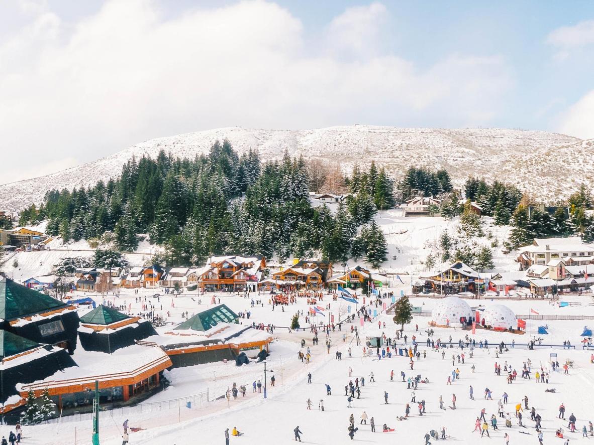 Čokolaterije, staze za skijanje, ugrijani barovi i obilje snijega