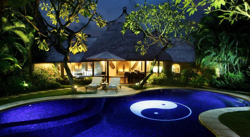 jason,  新西蘭   villa pool, size of villa and yard, prana