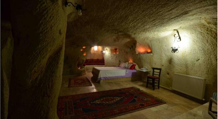 泽瓦尼山洞酒店