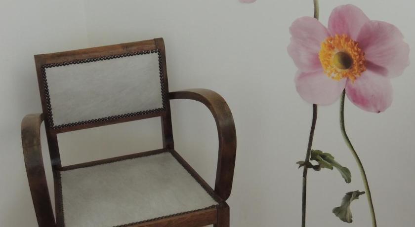 宿舍椅子手绘图 设计