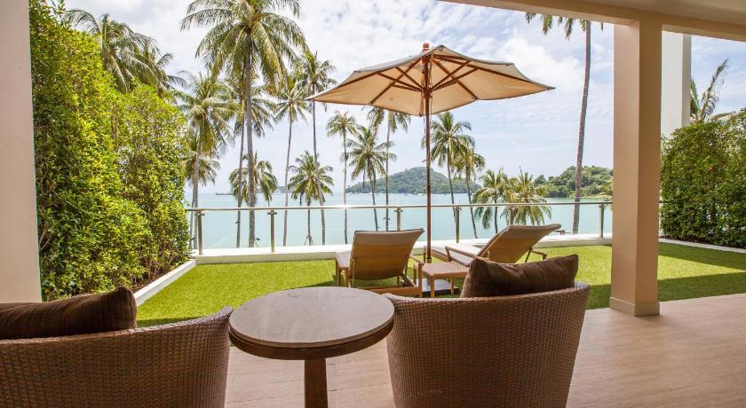 Phuket Panwa Beachfront Resort(普吉岛攀瓦角海滨度假酒店)