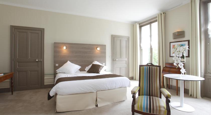 巴比涅尔城堡酒店 (法国 瑟河畔圣罗兰) - booking.