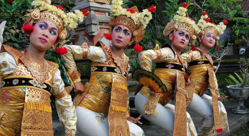 粉红巴厘岛酒店