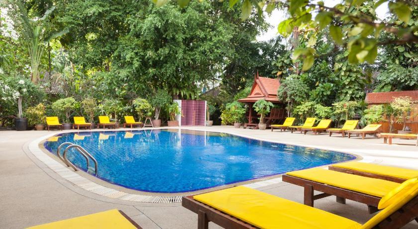 Tropica Bungalow Hotel(热带小屋酒店)