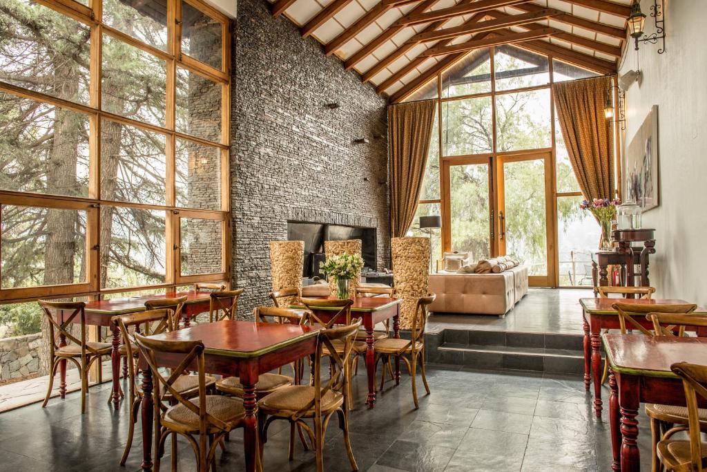 Un restaurante o sitio para comer en Casa Arrayan