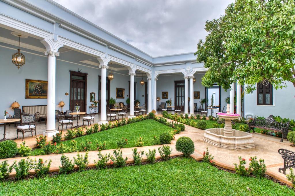 patio exterior de Casa Azul