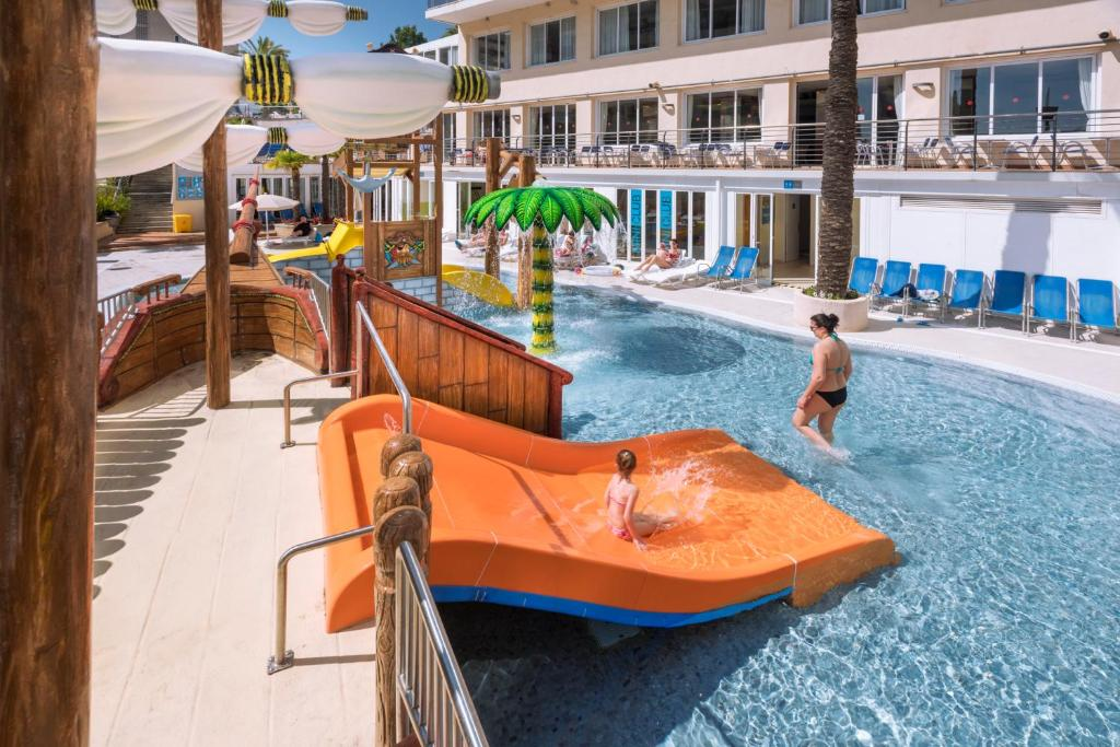 Hotel Oasis Park Splash Calella Spain Booking Com