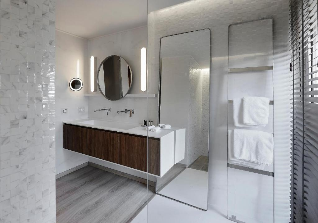 A bathroom at Evridiki