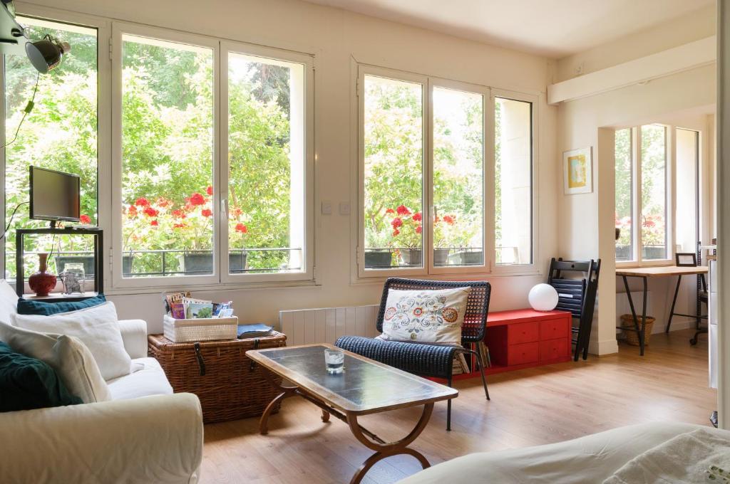 Modern & stylish loft - Paris XVI, Parigi – Prezzi ...