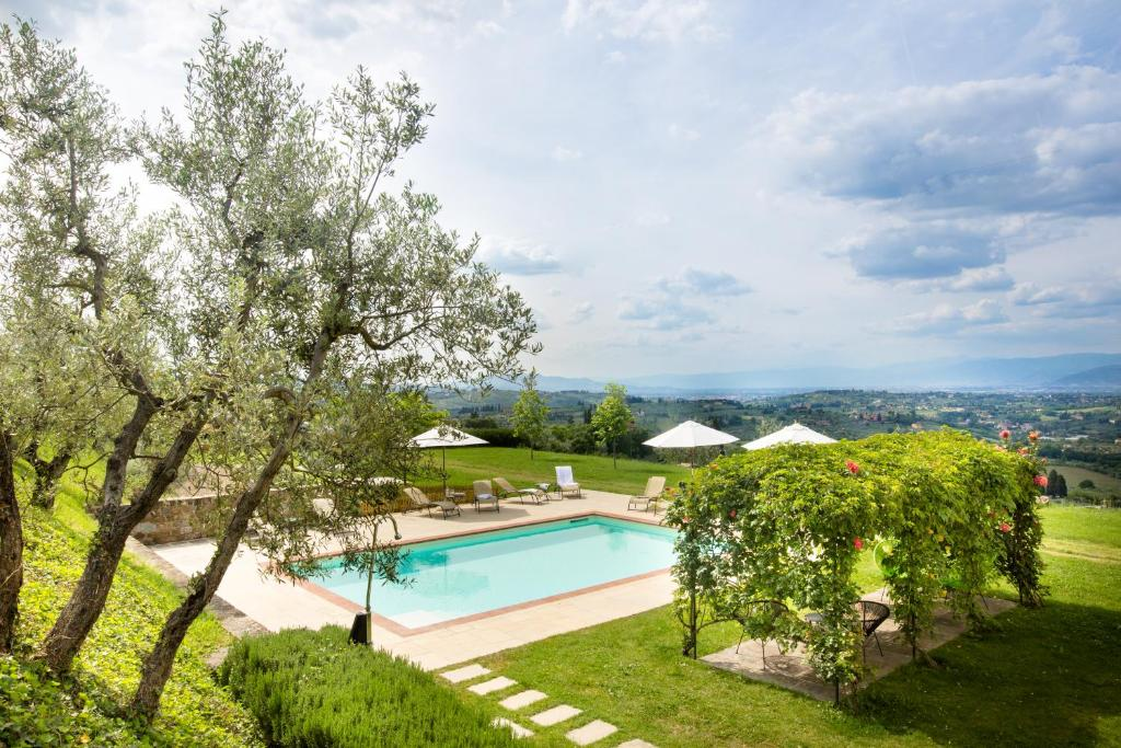 The swimming pool at or close to Tenuta Torre Rossa Farm & Apartments