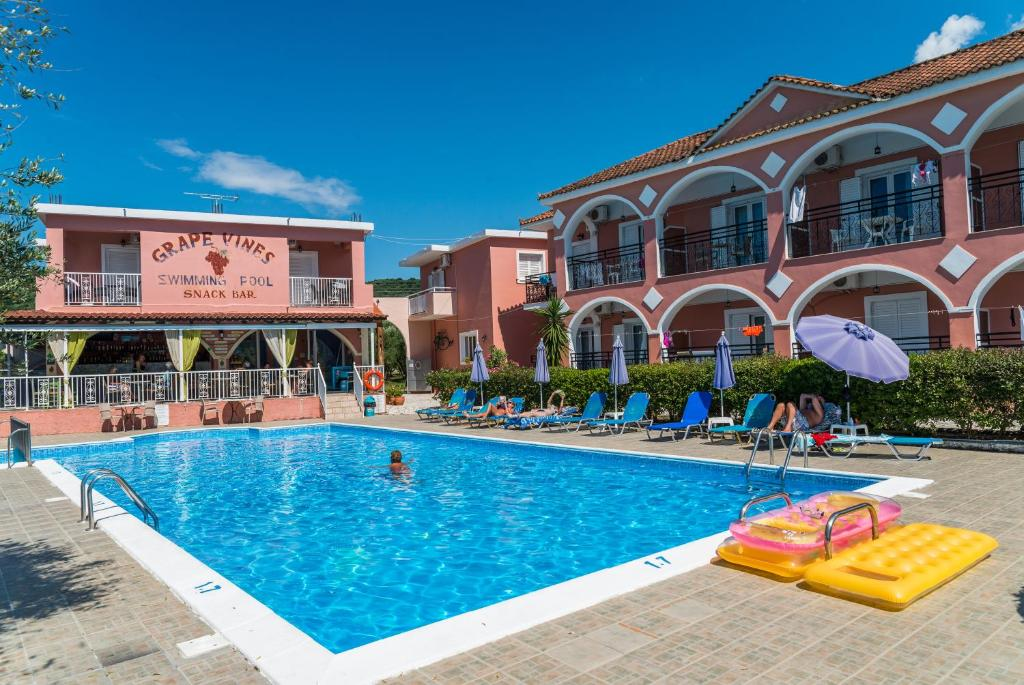The swimming pool at or near Grapevines Hotel