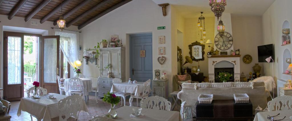 Un restaurante o sitio para comer en Casona Del Duende