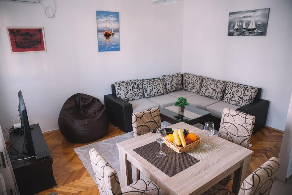 Downtown apartment Bar, Montenegro - Booking.com