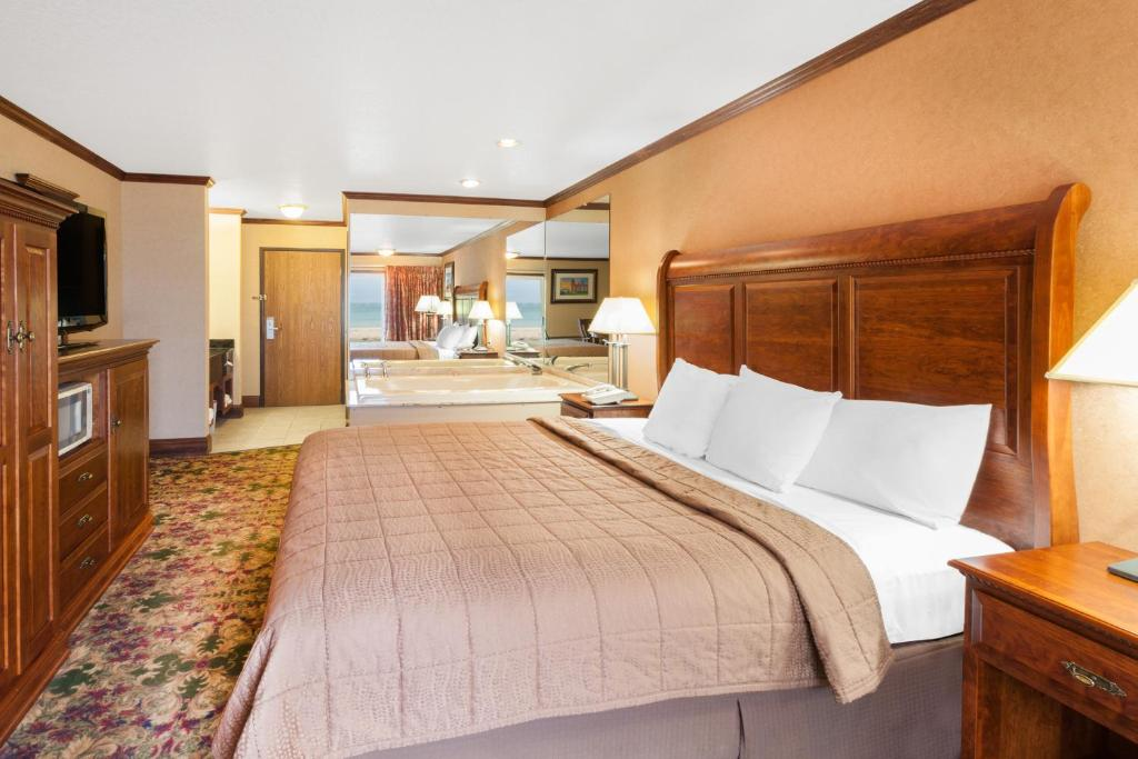 Ramada Inn Waterfront