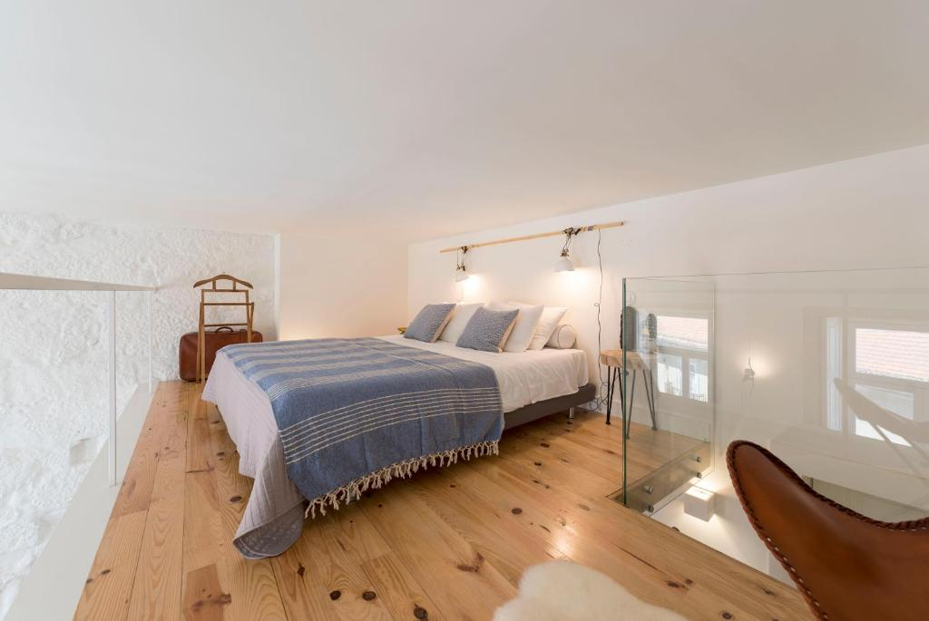 LovelyStay - Cativo Mezzanine Studio, Porto – Updated 2019 ...