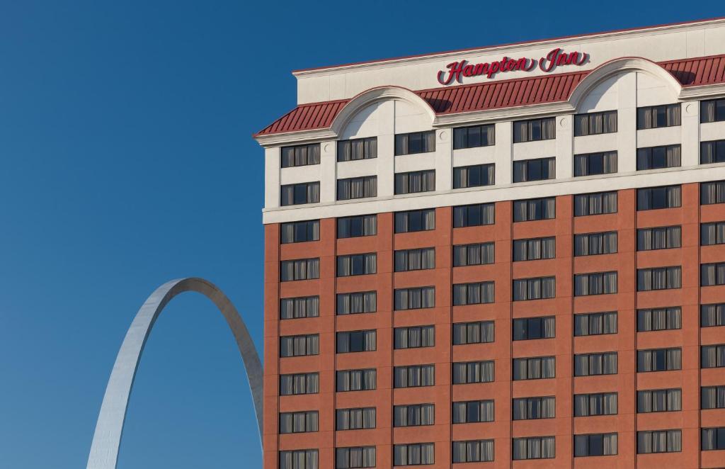 Hampton Inn At The Arch Saint Louis Mo Booking Com