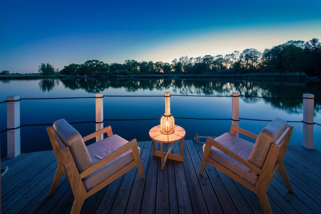 Ein Balkon oder eine Terrasse in der Unterkunft Schwimmende Suiten Usedom