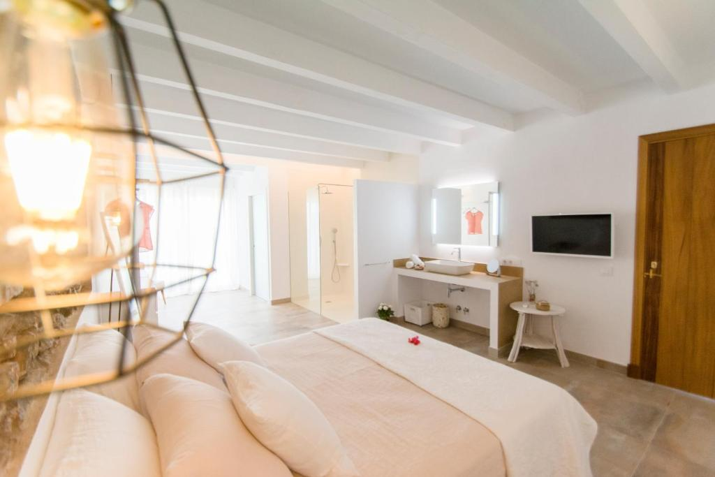 boutique hotels in menorca  11