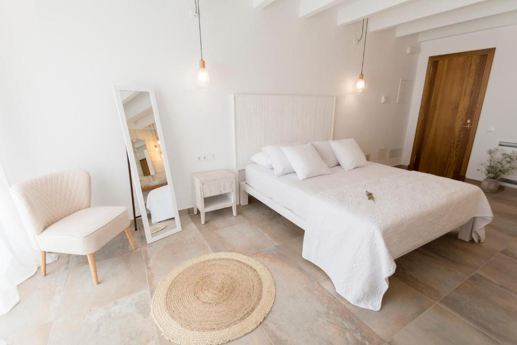 boutique hotels in ferreries  14