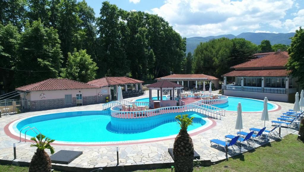 Πισίνα στο ή κοντά στο Sintrivanis Resort Beach