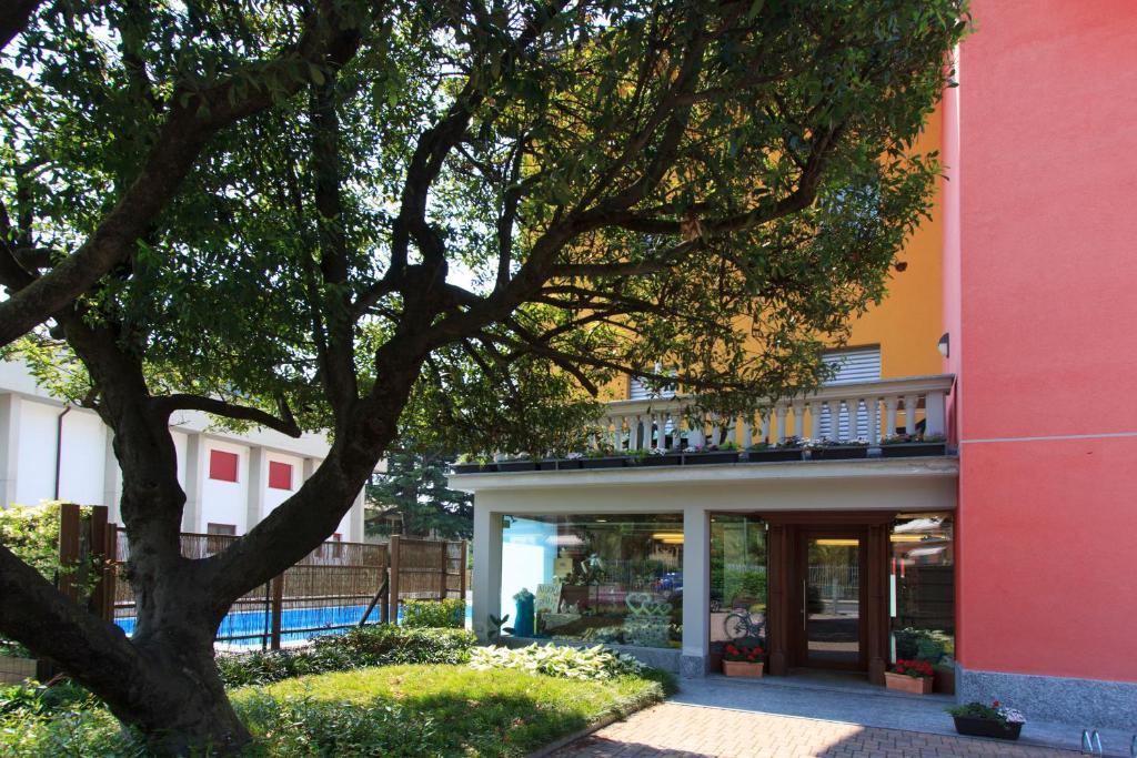 Residence Laurus Dubino Italy Booking Com
