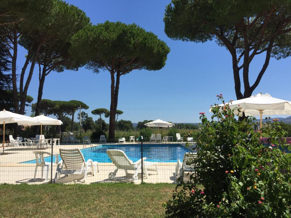 Piscina di Blue Suite o nelle vicinanze