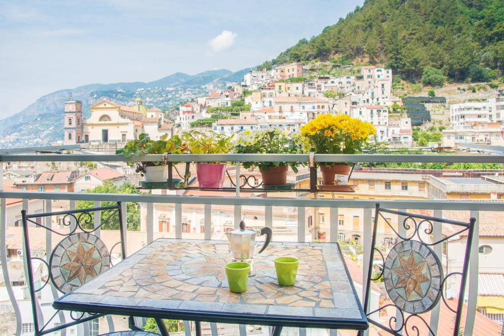 A balcony or terrace at Thats Amore Holidays - Amalfi Coast