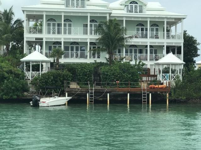 February Point Resort BB1, Georgetown, Bahamas - Booking com