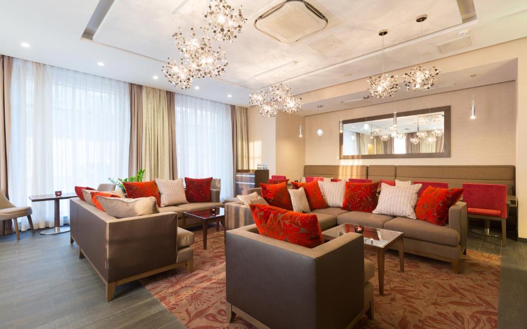 Гостиная зона в Hilton Garden Inn Volgograd