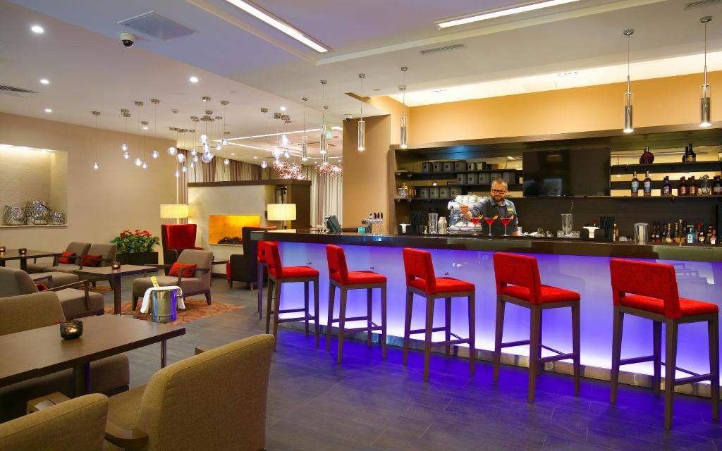 Лаундж или бар в Hilton Garden Inn Volgograd
