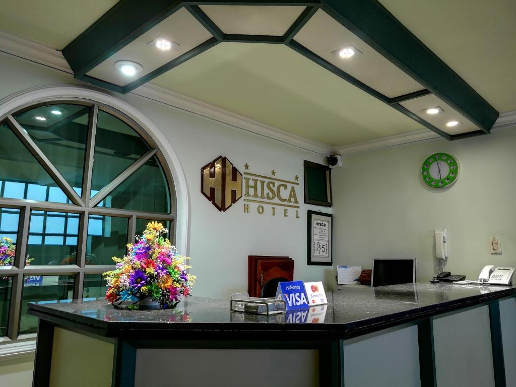 El vestíbulo o zona de recepción de Hisca Hotel
