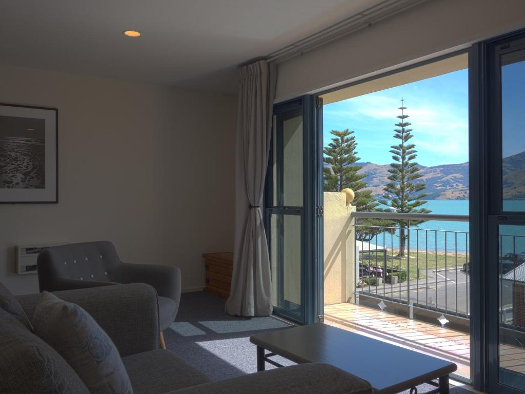 A seating area at Akaroa Criterion Motel